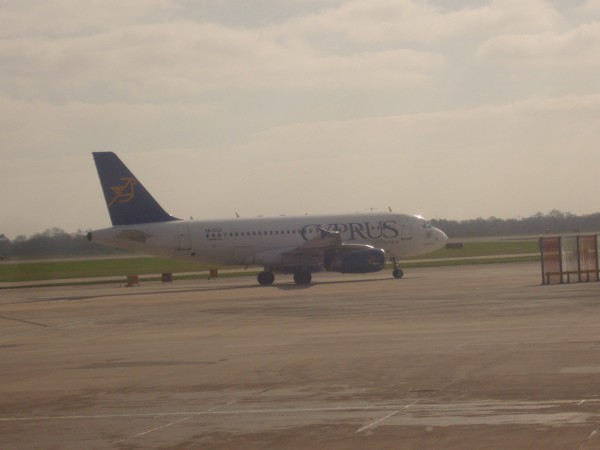 Cyprus Airways do Larnaky